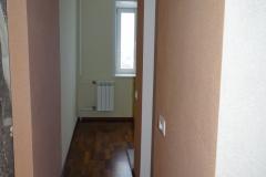 Вид на кухню из коридора.