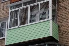Комбинированное оконо на балконе