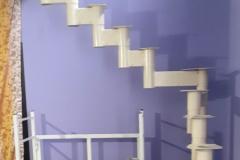 Модульная-лестница-с-поворотом