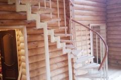 Лестница на модульном каркасе по проекту