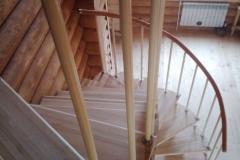 Необычная лестница на модульном каркасе