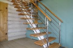 Лестница на цельно-сварном косоуре