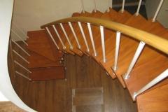 Лестница изогнутая