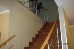 Лестница-на-второй-этаж-в-частном-доме