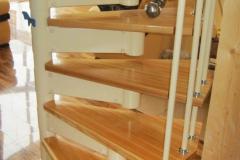 Винтовая-лестница-на-модульном-каркасе