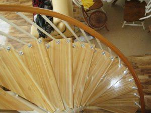 Гибкие перила для винтовых лестниц