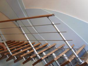 Ригельная система ограждений для лестниц