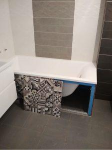 Съемная дверца люка под ванной